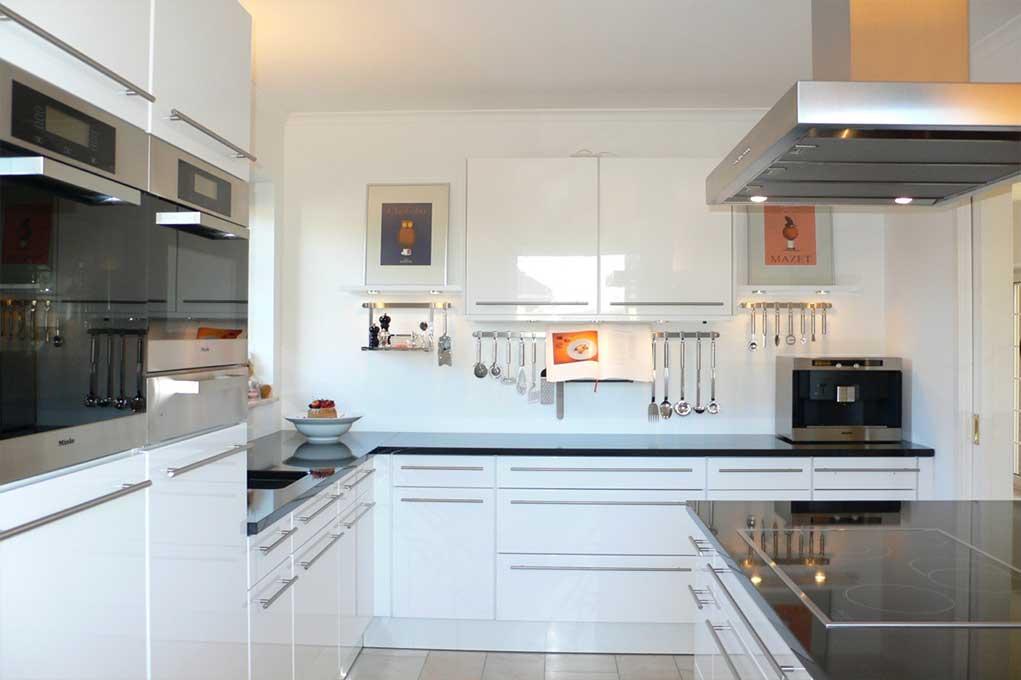 wunderbar k chenrenovierung aufschl sselung des budgets. Black Bedroom Furniture Sets. Home Design Ideas